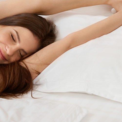 la postura adecuada para dormir en el embarazo